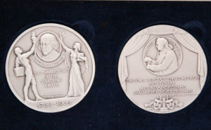 Pair of Garrick medals